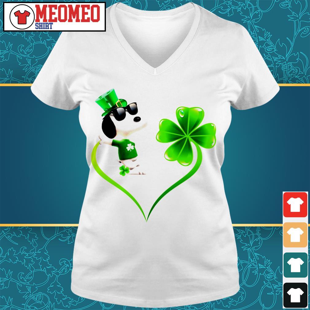 Snoopy Irish and lucky heart V-neck t-shirt