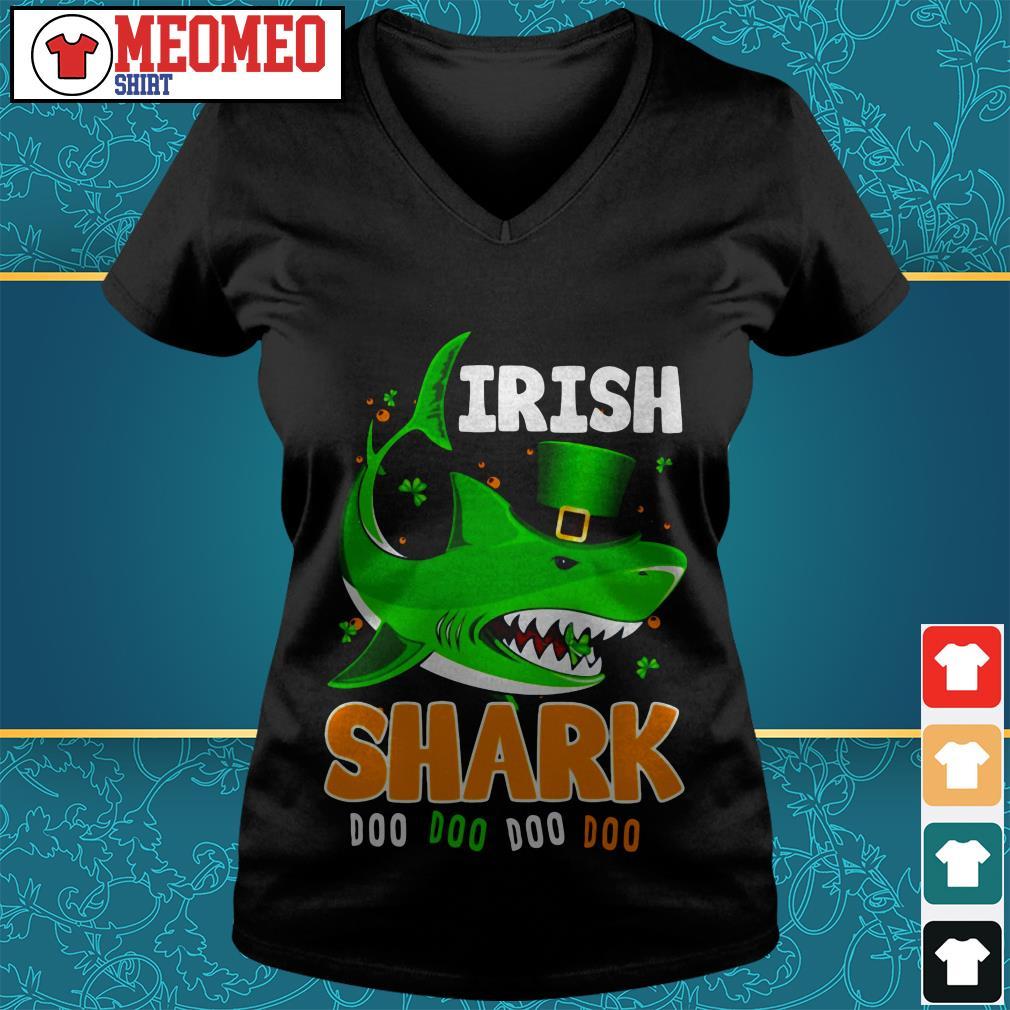 St Patrick's Day Irish shark doo doo doo doo V-neck t-shirt