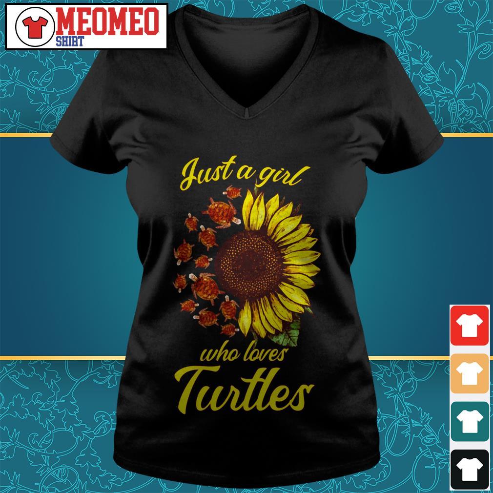 Sunflower Just a girl who loves turtles V-neck t-shirt